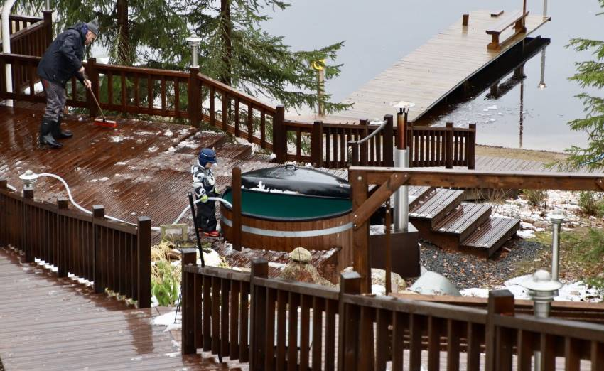 Customer image: Anu-Elina; It was almost immediately clear to us that we would get a Kirami hot tub for the cottage: it's durable, of high quality, and the price is reasonable. | Kirami