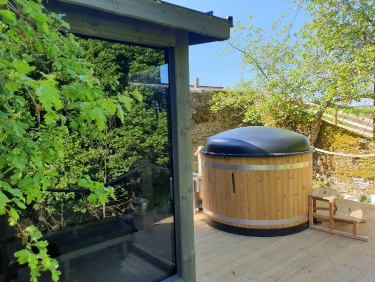 Photo: Wood Fired Hot Tubs by The Log Company | You can't beat the combination of a sauna and a hot tub | Kirami