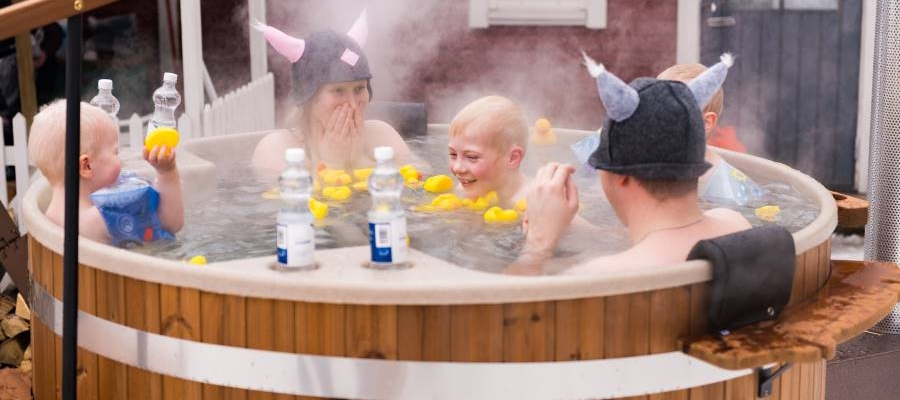 Kirami Family - a hot tub for the whole family