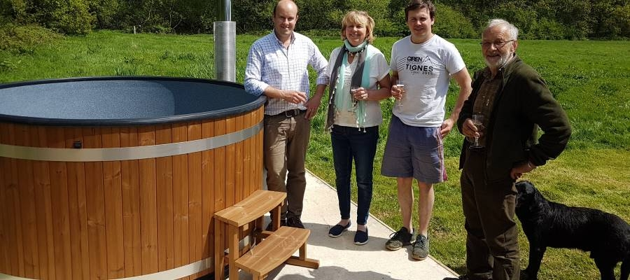 The Log Company sells hot tubs in North East of UK | Kirami